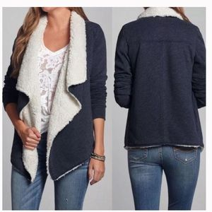 ✨A&F Sherpa Lined Cardigan Sweater✨